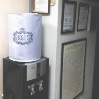 Чехол с логотипом салона красоты K&D